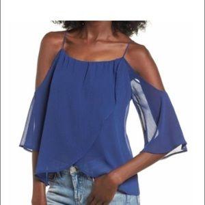 💜3/$25 Blue Cold shoulder top
